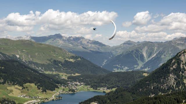 Grisones, Suiza, parapente